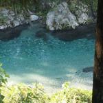 すごい水の色